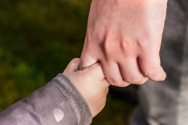 指先を使う遊びで伸びる能力とは?【論文からひと工夫を紹介】