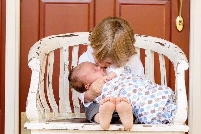 赤ちゃんにチュー